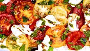 Caprese_salad_700